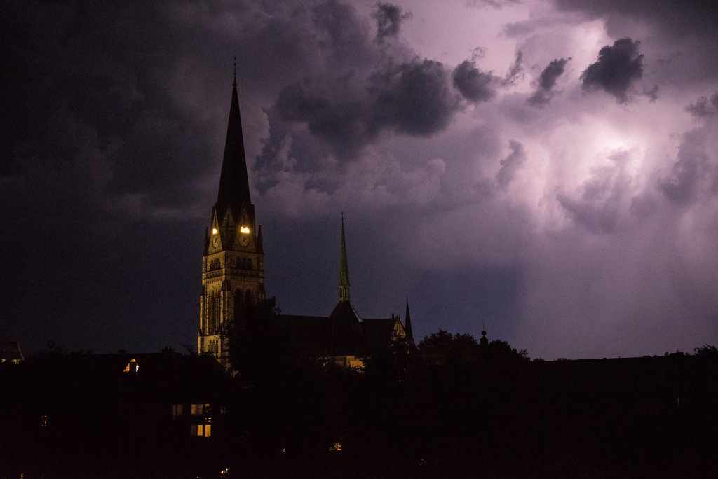 Gewitter über der Kreuzkirche